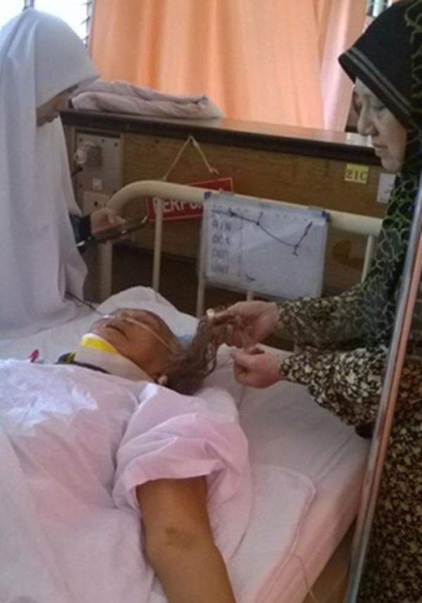 KEJAM! Nenek Dikelar Leher Sehingga Terpaksa Merangkak Meminta Tolong Jiran Tetangga