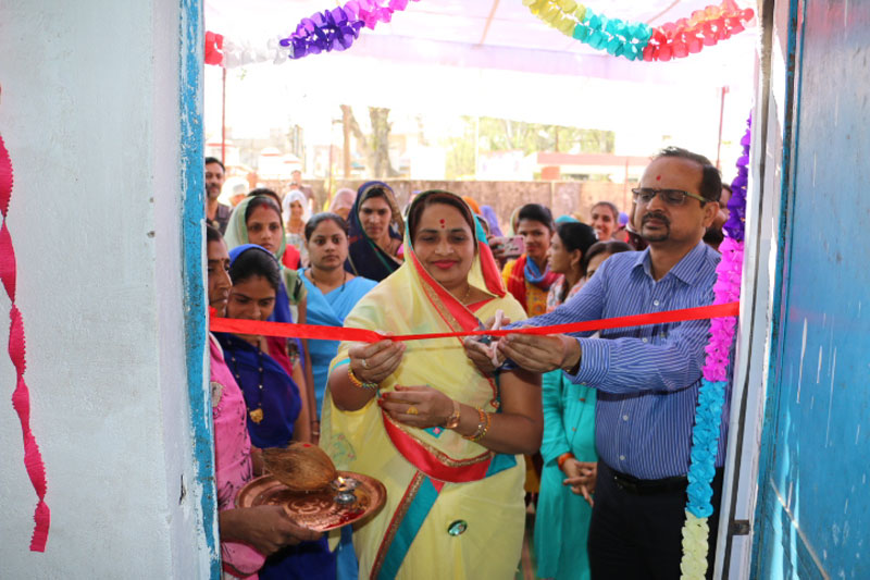 अलीराजपुर जिला मुख्यालय पर आजीविका उत्पाद केन्द्र की स्थापना