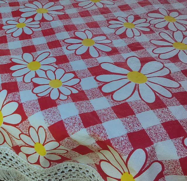 retro outdoor tablecloth
