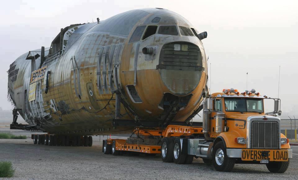 Transportando avião