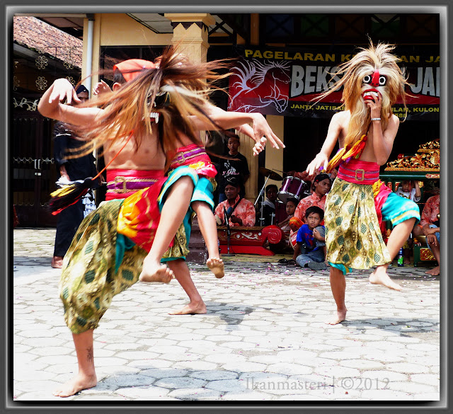 Rewo-rewo topeng jathilan Bekso Kyai Janti
