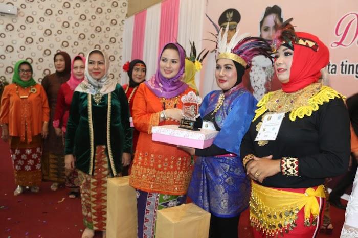Peringati Hari Kartini, Ibu Yustin Ajak Kaum Perempuan Mandiri dan Berprestasi dalam Pembangunan