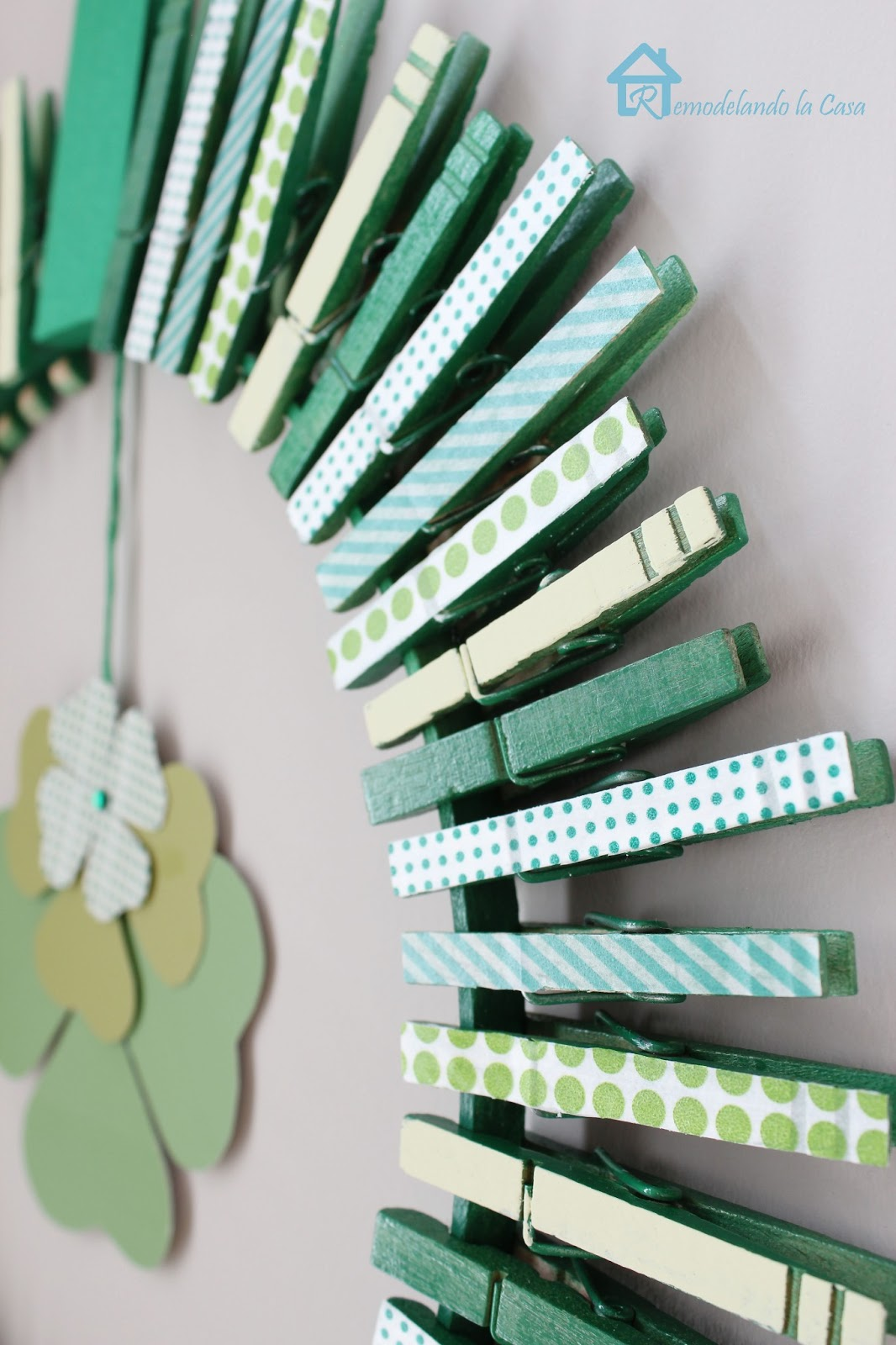 clothspins St. Paddy's wreath
