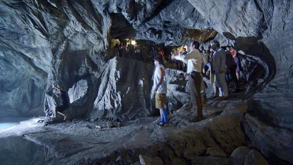 Mirtes vai sofrer um grande choque ao entrar na fonte (Imagem: Reprodução/TV Globo)