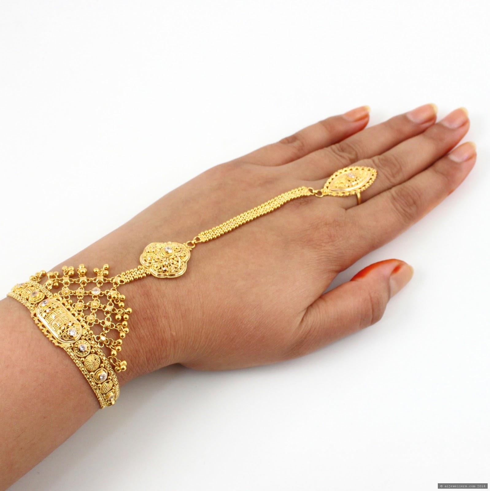 latest gold bracelets jewelry designs all fashion tipz. Black Bedroom Furniture Sets. Home Design Ideas