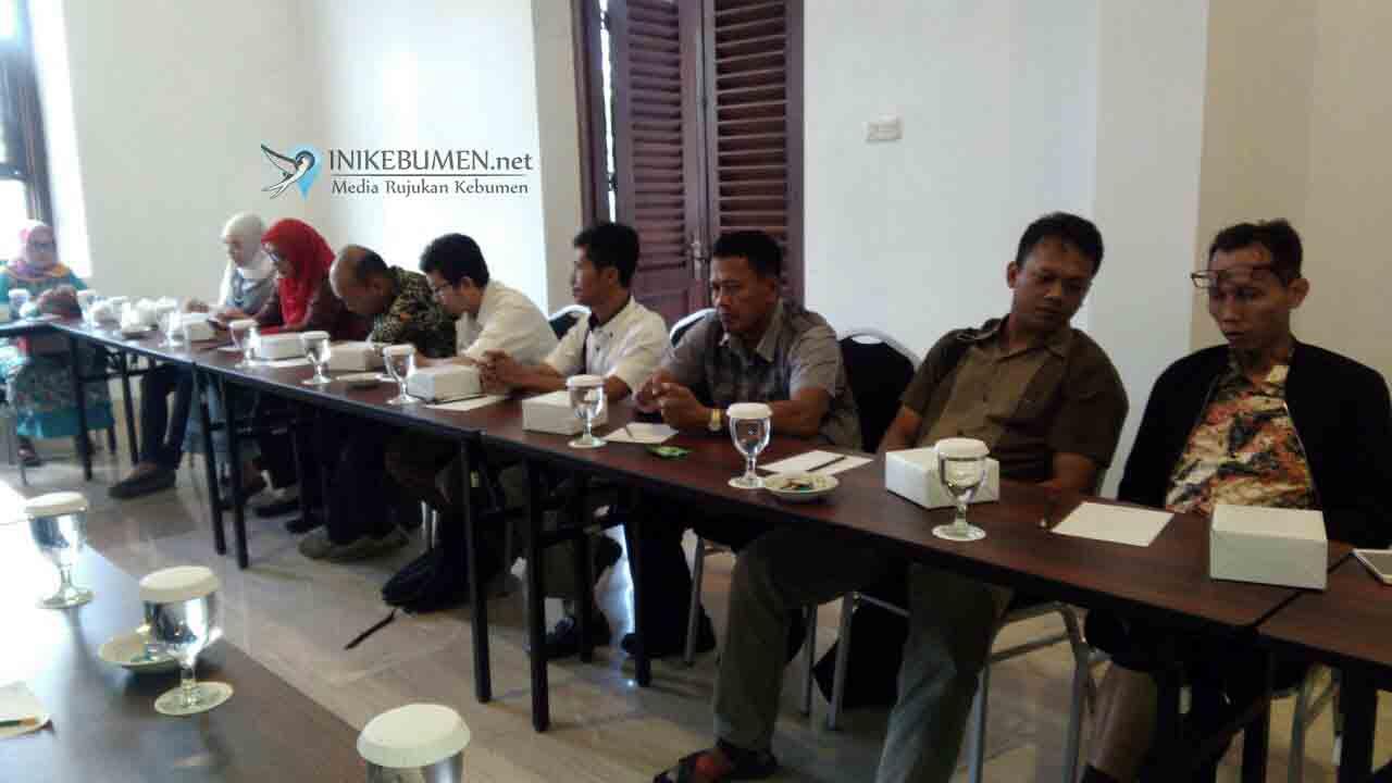 Dinas Perizinan Kebumen Kumpulkan 20 Pebisnis di Hotel Mexolie