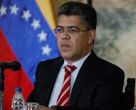 """Elías Jaua destacó necesidad de """"corregir fallas en los gobiernos populares"""""""