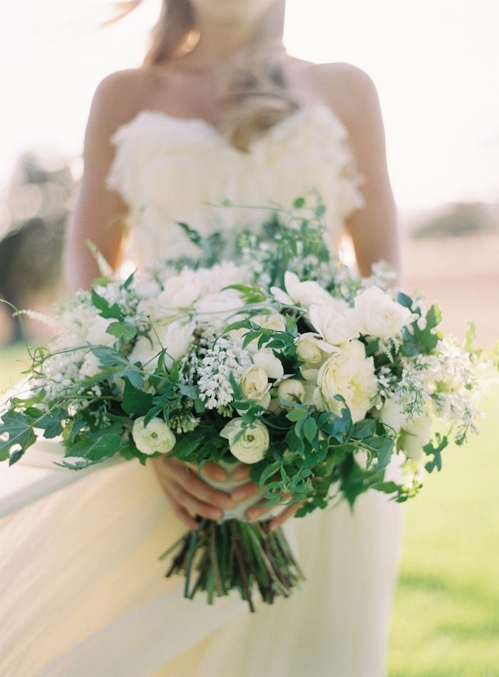 Lovely deco bleu ciel et fleurs blanches for Bouquet fleurs blanches