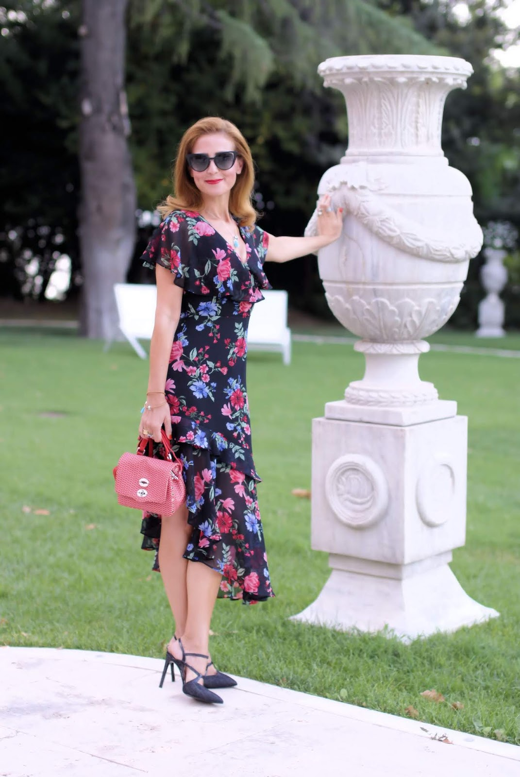Lipsy London floral dress on Fashion and Cookies fashion blog, fashion blogger style