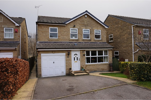 This Is Huddersfield Property - 4 bed detached house for sale Ridge View Drive, Birkby HD2