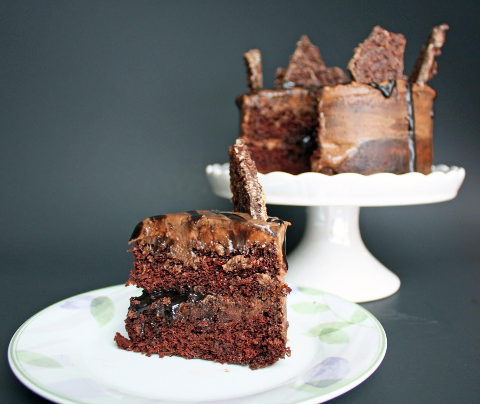 Vegan chocolate hazelnut cake with praline chocolate ...