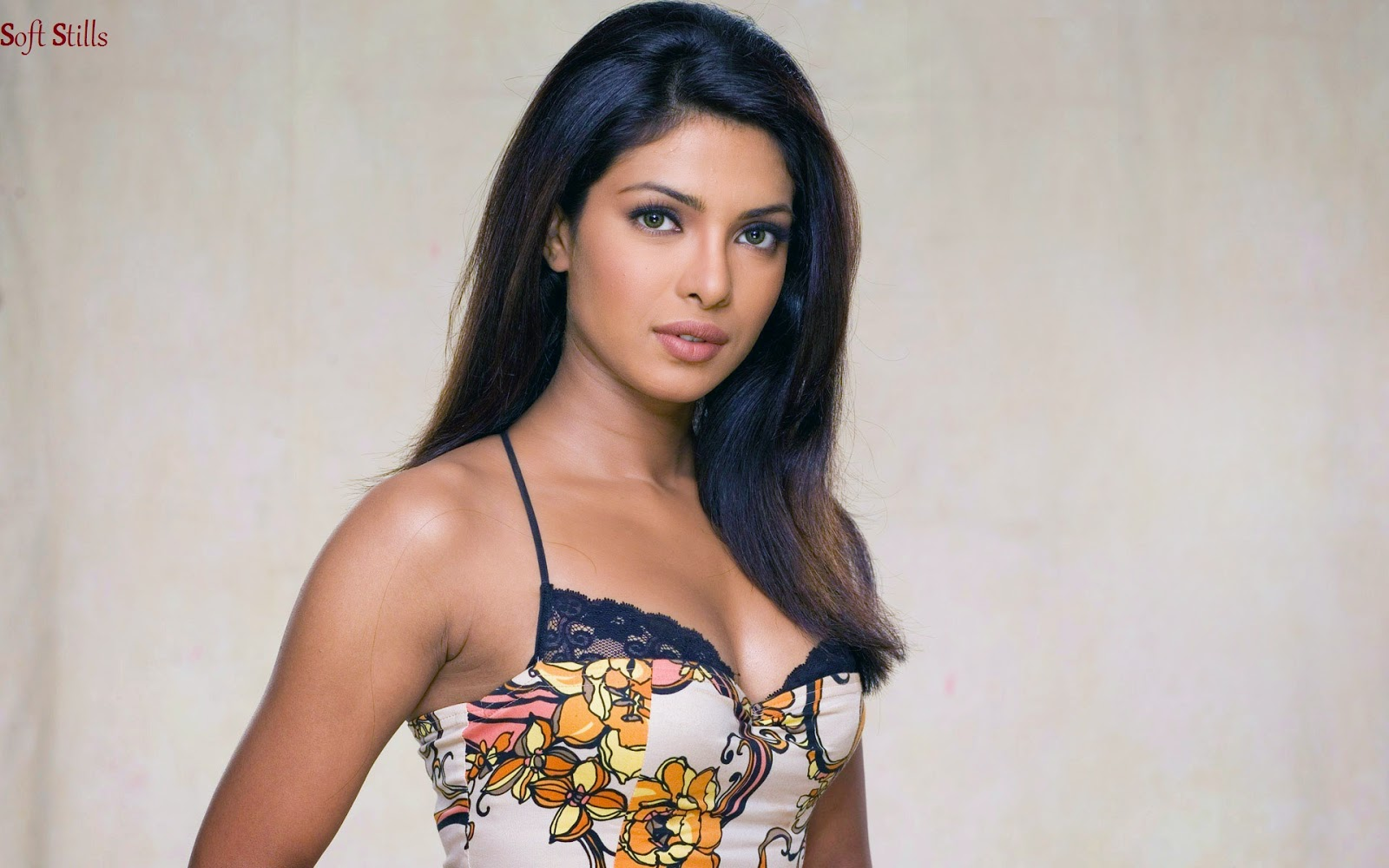 Priyanka Chopra Bollywood Mary Kom Film Actress - 480x800
