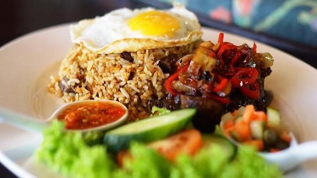 Wah, Ternyata Mengkonsumsi Nasi Goreng dengan Timun Bisa Membahayakan Kesehatan Lo