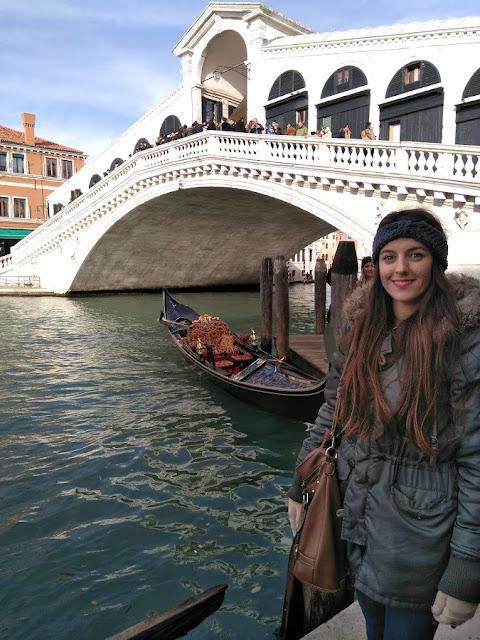 italy, italija, venice, venecija, trip, journey, europe, travel, traveling, izlet, potočki promet, autobus, put, putovanje, boat,  couple, par, godišnjica veze, gift idea, bridge, most, gondole