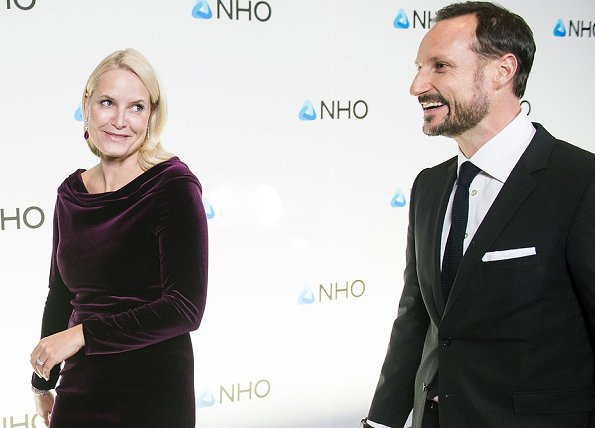 Crown Princess Mette Marit and Crown Prince Haakon, Crown Princess wore purple velvet dress, Christian Louboutin simple pump
