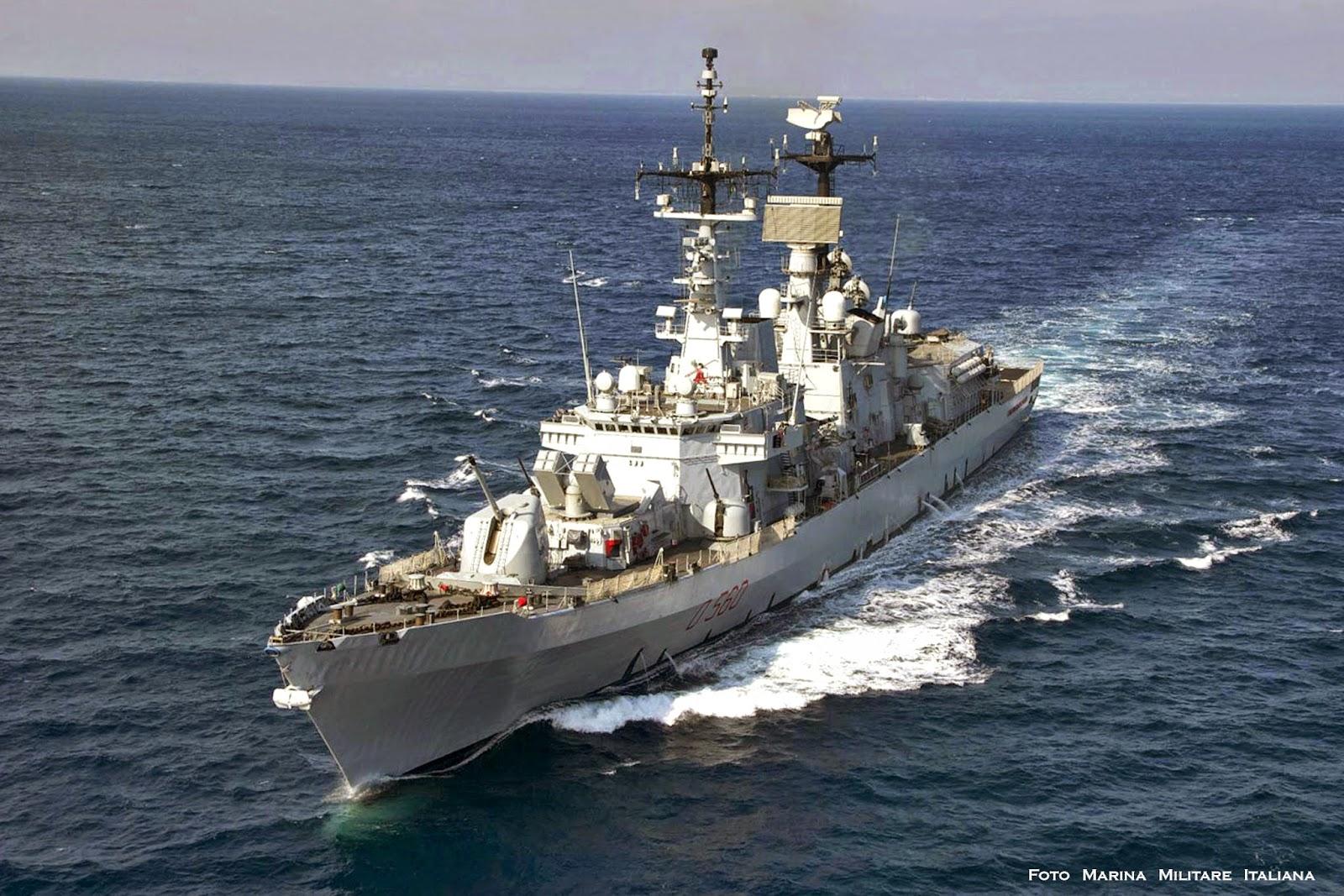 in the navy Ho ascoltato tre canzoni questa mattina, go west in the navy ymca musica stupenda praticamente è arrivata l'ora che mi dia una mossa.