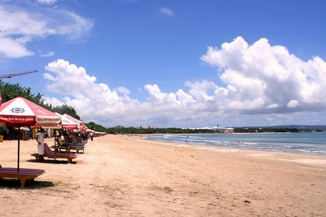 keindahan pantai kuta