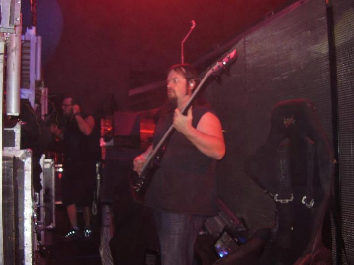 domínio maggot donnie steele tocando atrás do palco foto