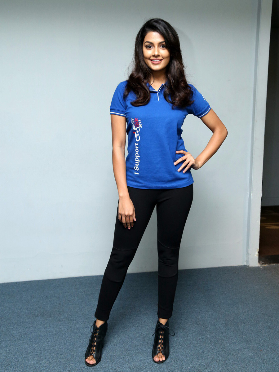 Anisha Ambrose Cute In Black Jeans And Blue T Shirt Latest Indian Hollywood Movies Updates Branding Online And Actress Gallery