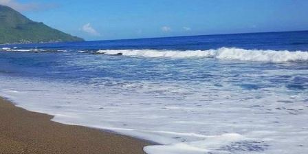 pantai tombolo pantai tobelo ternate pantai tobololo ternate pantai kastela ternate