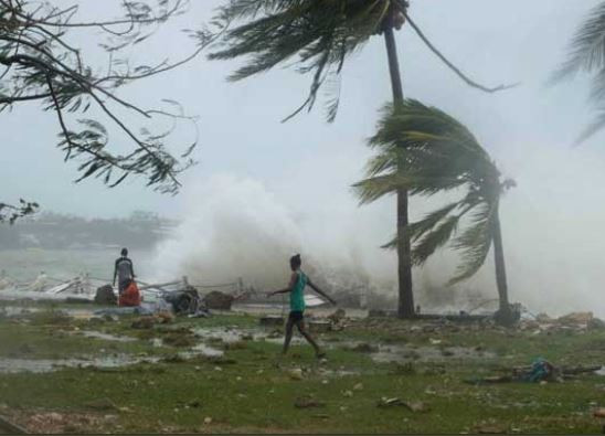 At least 100 people dead, 200 missing as cyclone hits Mozambique and Zimbabwe