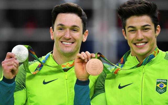 dobradinha brasileira podio solo ginastica artistica olimpiadas rio 2016 olimpiada diego hypolito hipolito arthur nory mariano prata bronze brasil