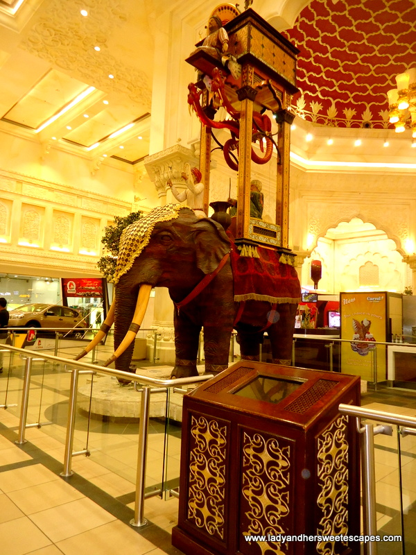 Ibn Battuta The Travel Themed Shopping Mall Lady Amp Her