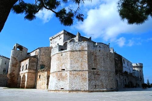 Castello-Conversano-Puglia