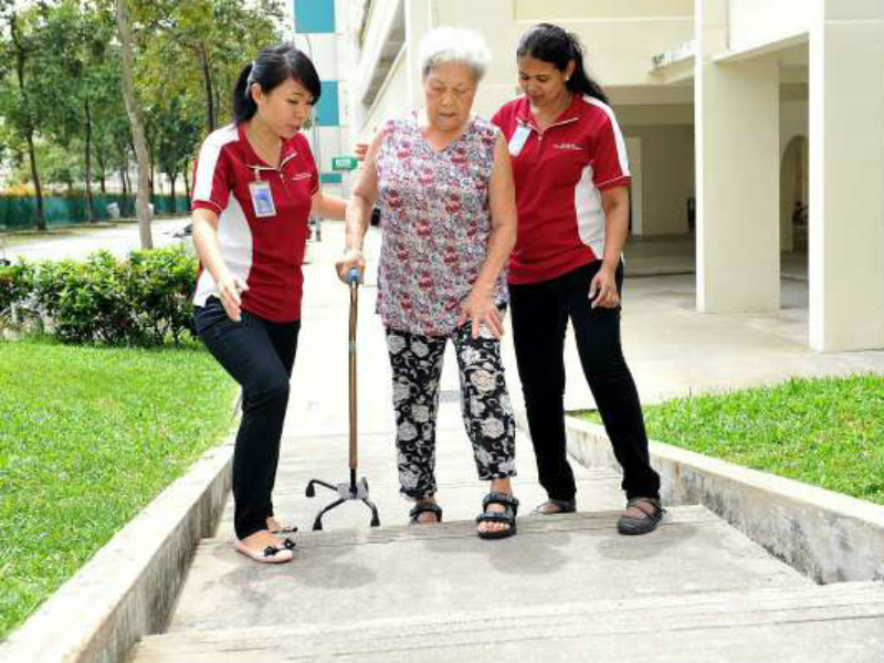 The staffs at Ang Mo Kio – Thye Hua Kwan Hospital focus their attention on both the patients and the attachment students.