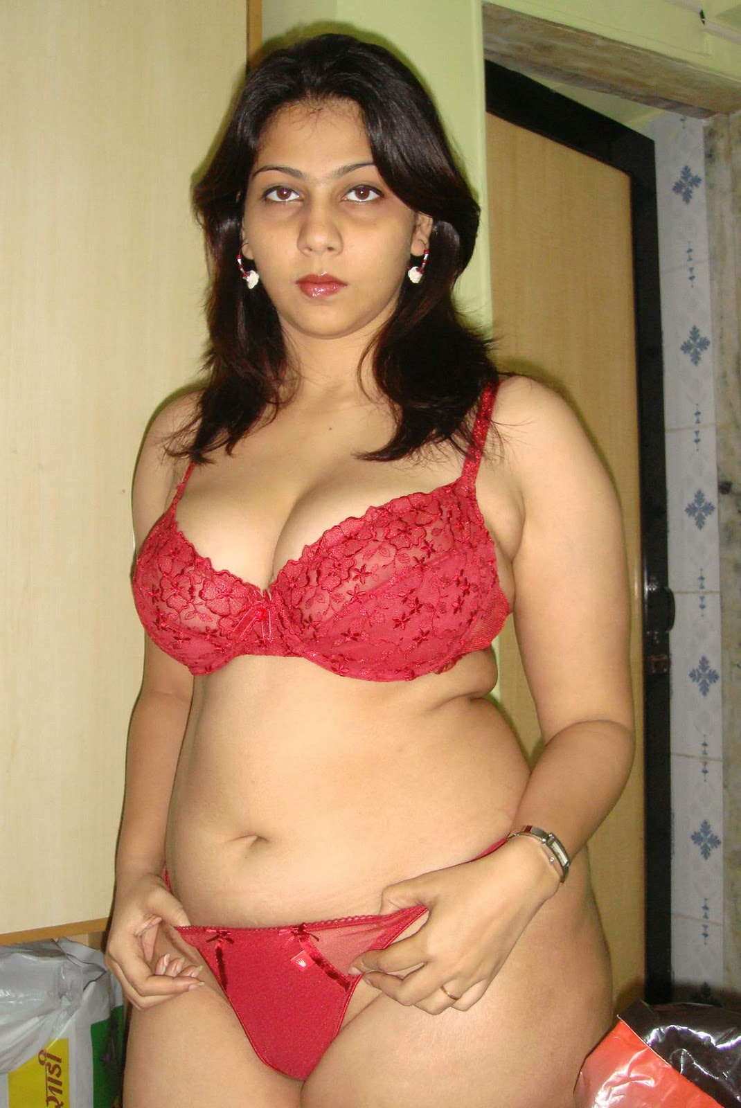 semi nude tamil girls