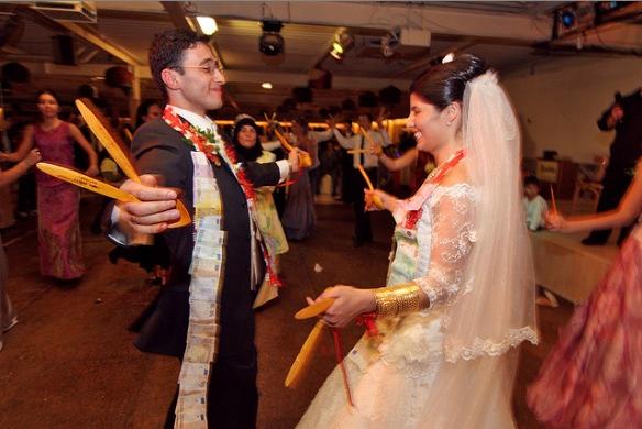 Post Wedding Traditions From Around The World: RainingBlossoms: Unique Wedding Ceremonies Around The World
