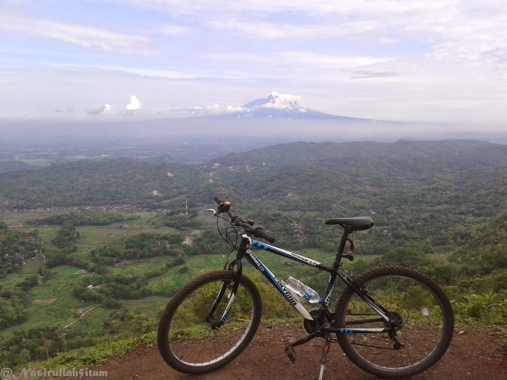 Sepeda Polygon Monarch-ku dipuncak Becici, Dlingo