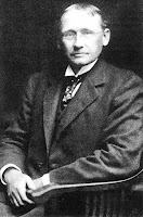 Kontribusi Frederick Winslow Taylor Dalam Manajemen Ilmiah - Studi Manajemen
