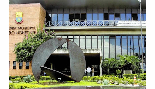 Câmara de BH divulga edital de concurso com salário de R$ 5,5 mil para TI.