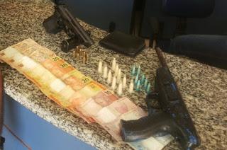 http://vnoticia.com.br/noticia/1469-policia-militar-prende-casal-com-armas-e-drogas-na-localidade-de-ladeira-das-pedras-em-sfi