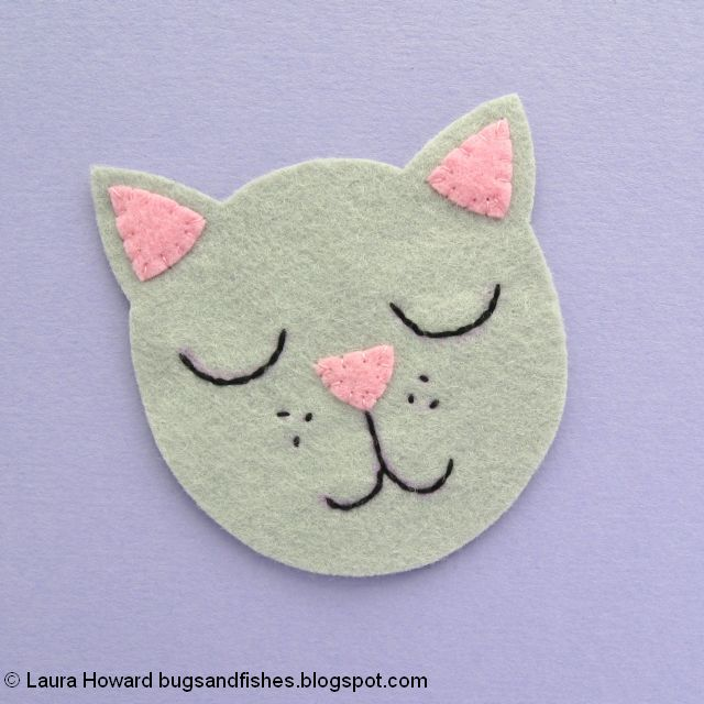 embroider the cat's face