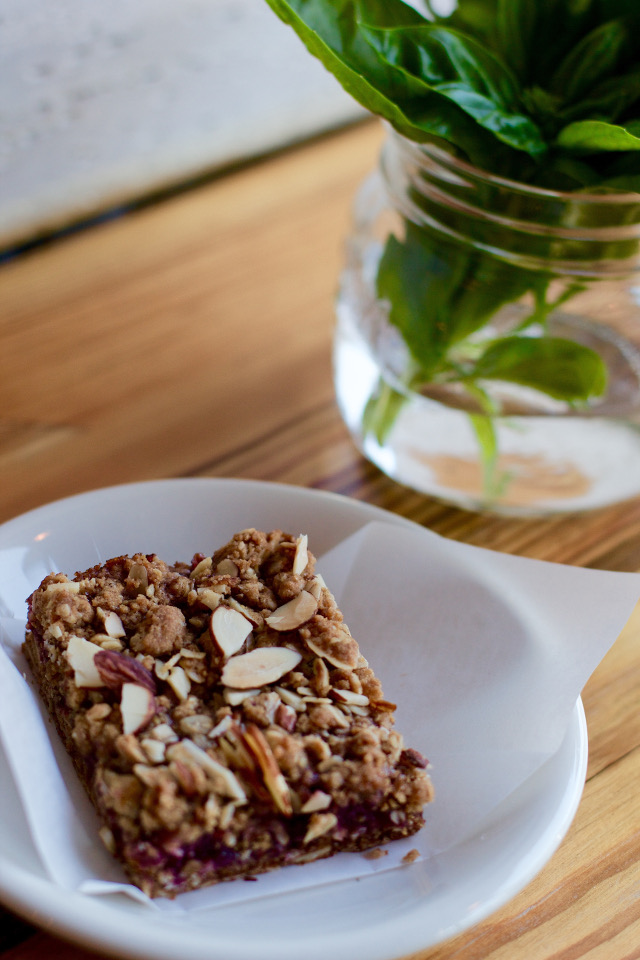 raspberry oat bar from Little Freshie