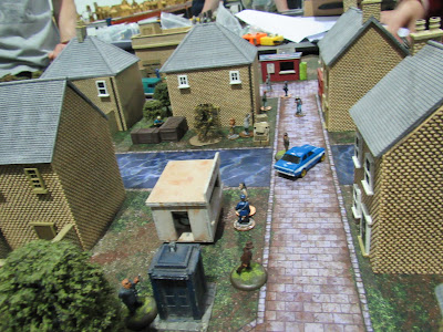 mad dogs with guns board scenery gangsters game