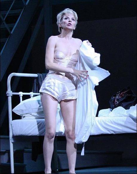 Anna friel naked on stage pity