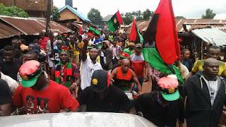 Yadda Matasan IPOB na farautar Hausawa, sun kona motar Dangote (Bidiyo)