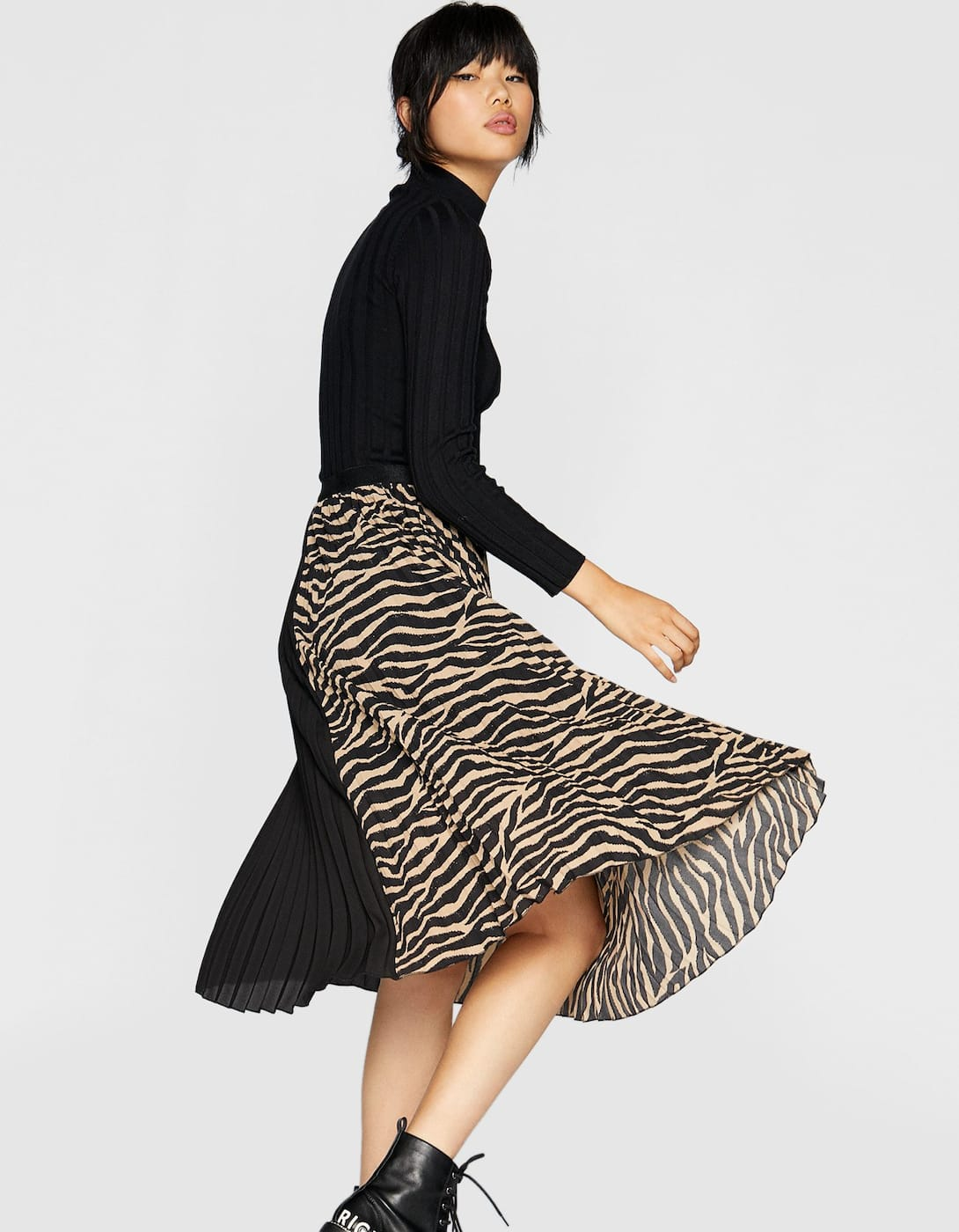 Leopard Print Midi Skirt - My Top High Street Finds #3 - The Autumn Edit // Lauren Rose Style // Fashion Blogger London Wishlist