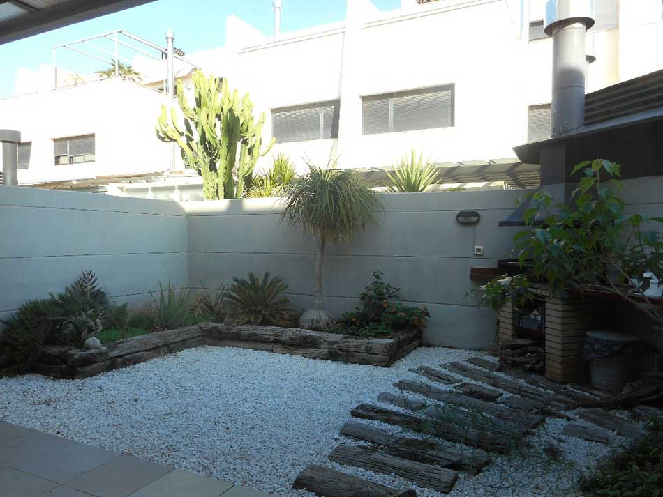 chalet adosado en venta castellon calle antonio prades safont terraza