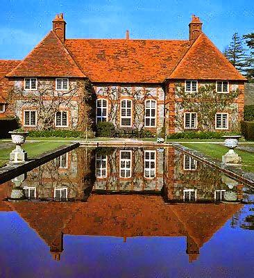 http://www.berkshirehistory.com/castles/folly_farm.html