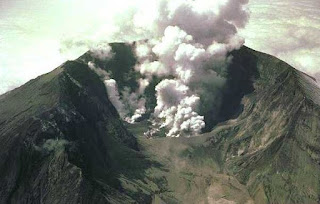 Gejala-gejala Vulkanisme beserta Contohnya