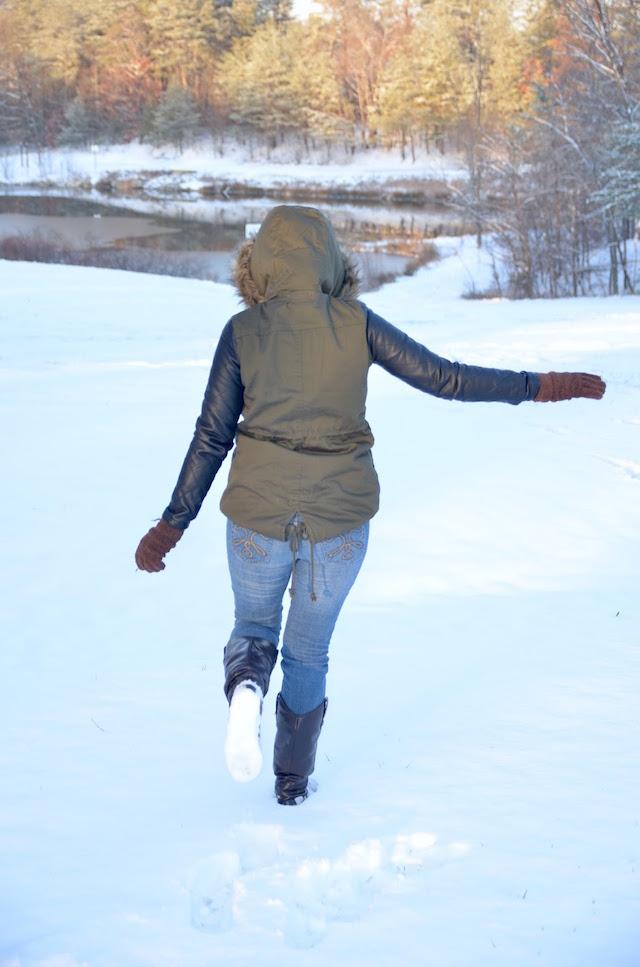 Army Coat- look of the day- snowy day - mariestilo - winter style - storm jonas