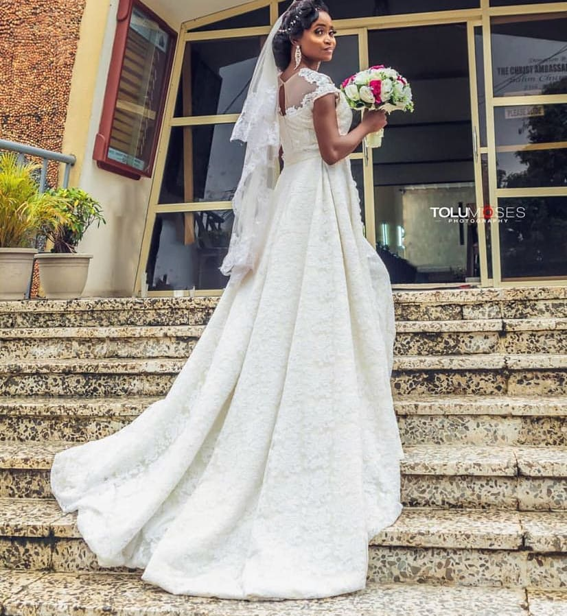 4009b4d9aa5 Wedding Gown With A Mesh Train Another popular version of a Nigerian wedding  dress with a train is a mesh train. It looks as beautiful as the regular ...