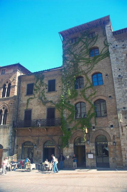 szafran we Włoszech, gdzie spotkać