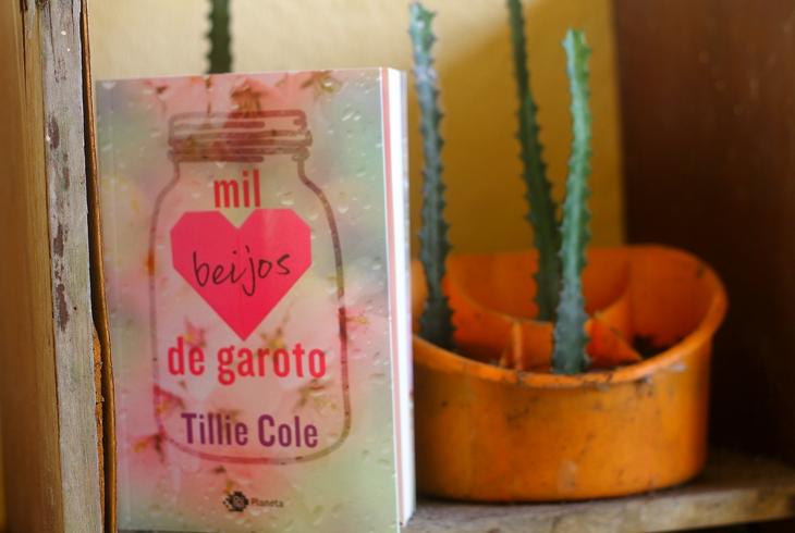 Mil Beijos de Garoto Tillie Cole; resenha Mil Beijos de Garoto; resenha tillie Cole;