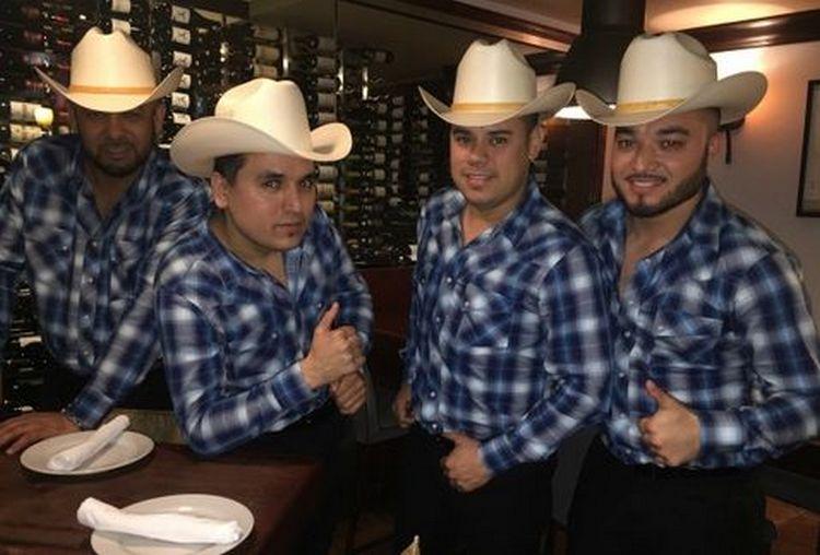 """Los Cuates de Sinaloa quieren llevarle serenata """"El Chapo"""" y dicen que los narcos son personas """"respetables"""""""