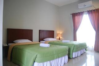 kamar di hotel gumati sentul